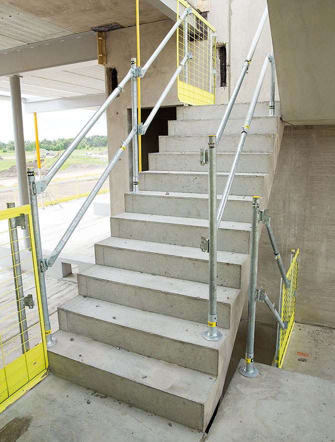 stairs_safetyrespect_3471